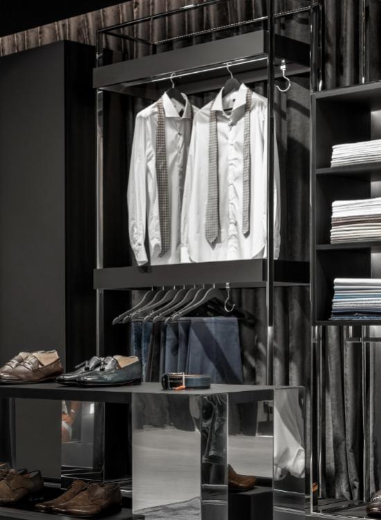 Montering af butiksinventar